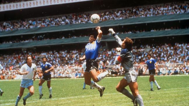 diego-maradona-scores-against-england